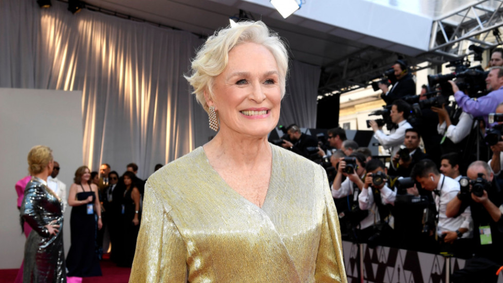 Glenn close gold gown oscars best leading actress win